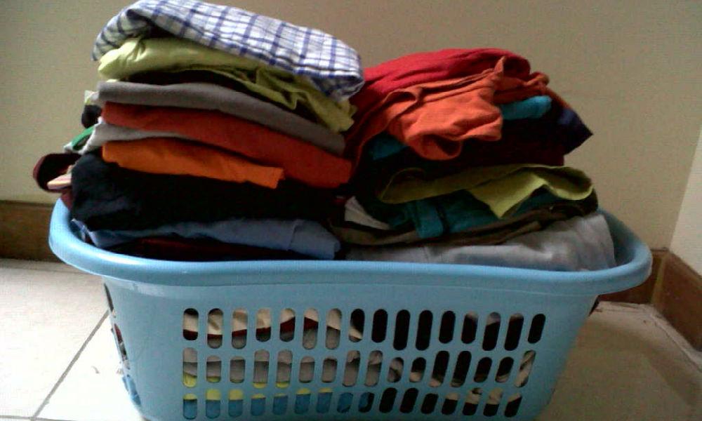 keranjang pakaian